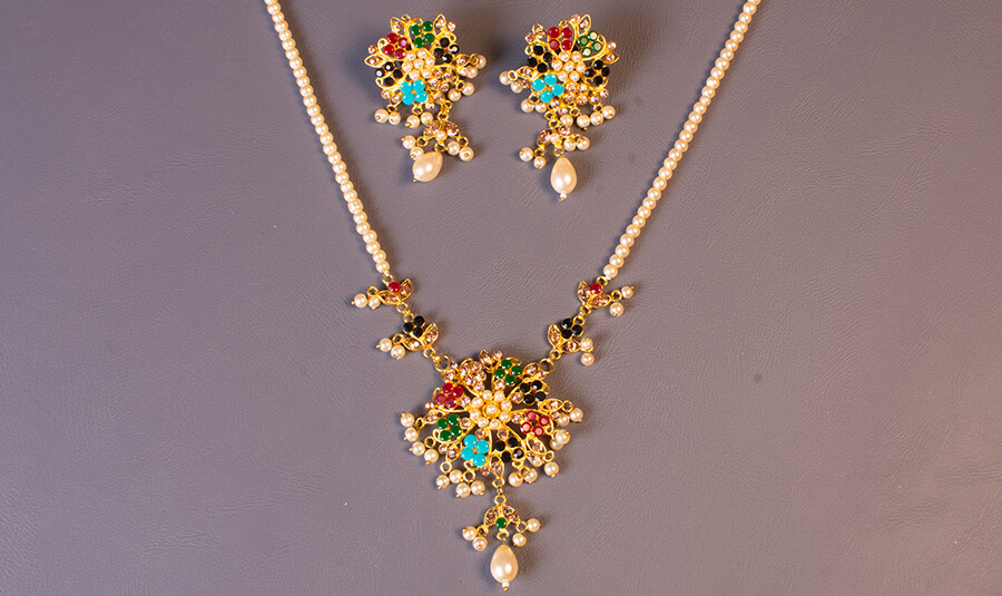 Jewelry Color Adjustment by ClippingPathPlaza – Before